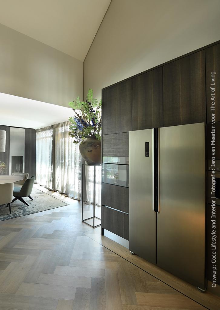Keuken uitgevoerd in LM08 Tranché van DecoLegno